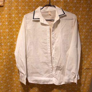 🚚 領口刺繡白襯衫2