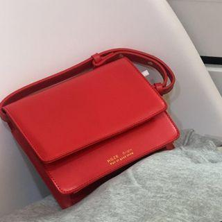 紅色斜背包