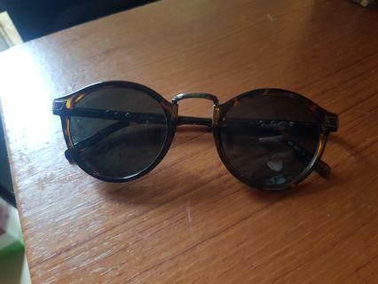 復古造型太陽眼鏡