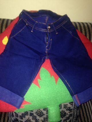 Celana jeans selutut size 11