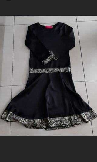 Dress jubah hitam