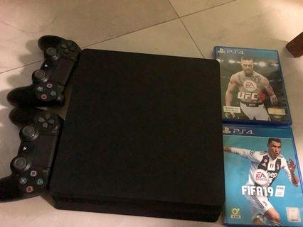 Ps4 Slim 500 GB + 2 controllers + 2 Games + Console Cooler