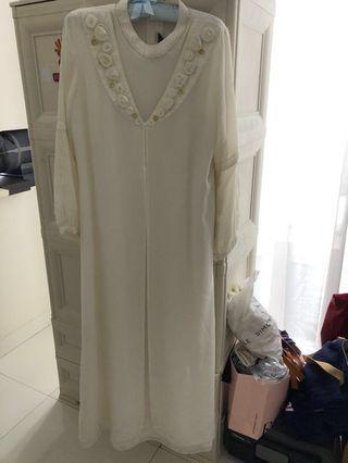 Gaun lebaran putih- merk Lisa kualitas setara Ranti atau Shafira size M. Gamis resmi/ Gamis pesta