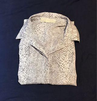 Leopard print buttons shirt