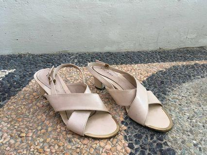 High heels #mauthr