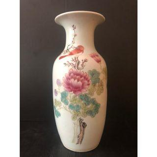 Famille Rose porcelain vase - China -  (During the period of the Republic of China) 民国粉彩花鸟瓶{梅子文作)