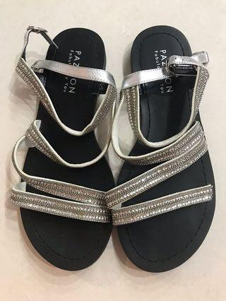 PAZZION Flats Sandals Black Silver Glitter Crystals Strap with buckle hook