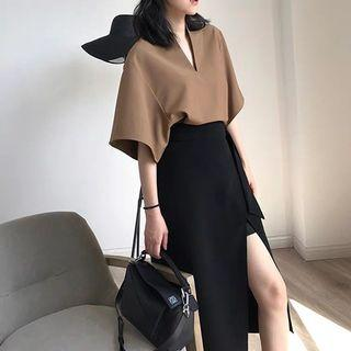 Two-piece slim skirt suit