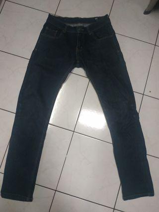#mauthr Jeans Tripl3