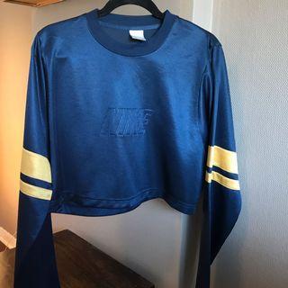 Vintage Nike Crop Top