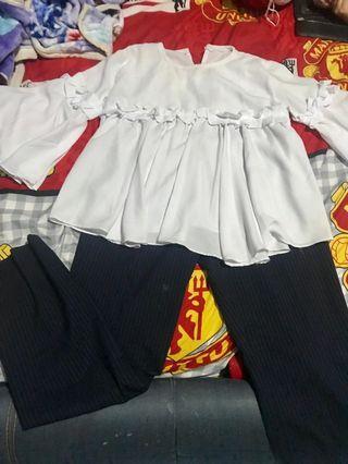 Top putih X celana liris-liris blue