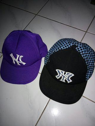 Topi cap ungu dan tartan biru, dapat 2