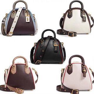COACH; Women Handbag / Shoulder Bag