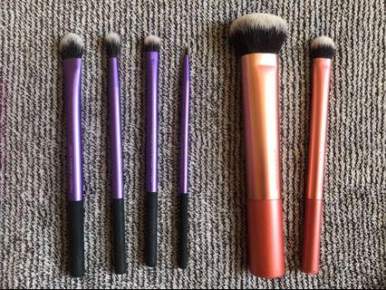 🚚 Real Techniques Makeup Brushes - Eye and Face Brushes