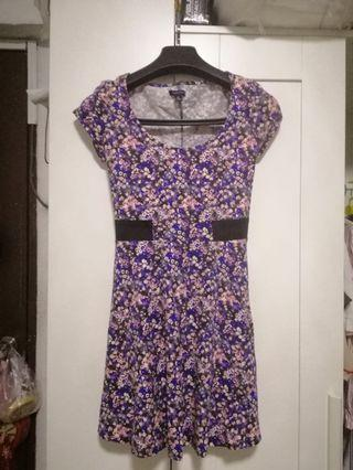 🚚 Floral Dress with Back Detail