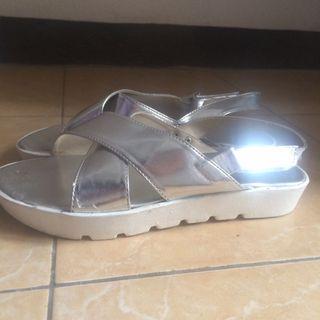 SALE! Sepatu santai wanita!