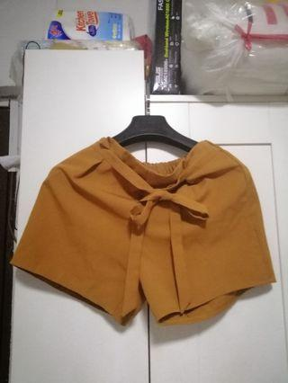 🚚 Mustard Shorts