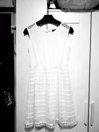 🚚 White Lace Dress