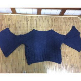 深海軍藍短版 毛衣  魚尾袖 (顏色會膚色顯白)