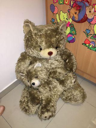 Big bear with baby