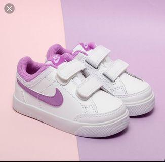 Nike sport shoe capri 3 LTR