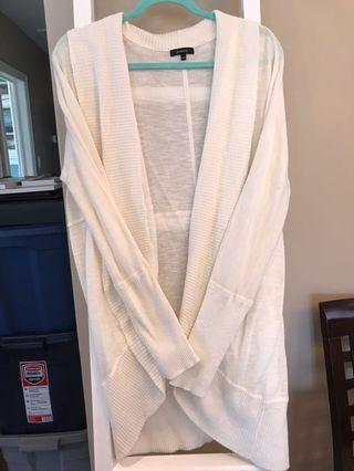 Never worn cream RW and co knit cardigan