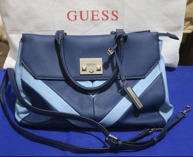0883e463904 SALE!!! 💯AUTHENTIC Gorgeous GUESS Fireside Shoulder bag with tag