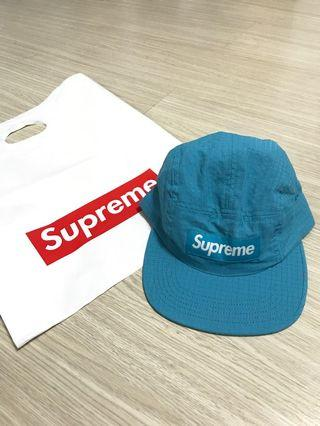Supreme 藍色反光條棒球帽