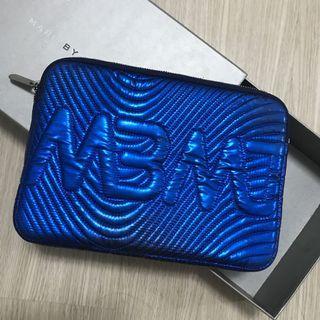 MBMJ 金屬藍色手拿包 / I pad保護套