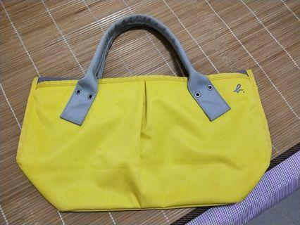 agnes b.黃色水餃包