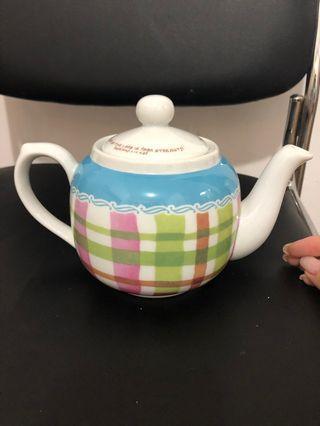 格仔圖案茶壺
