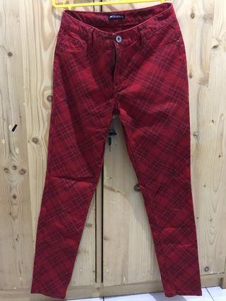 Celana Merah Colorbox #mauTHR
