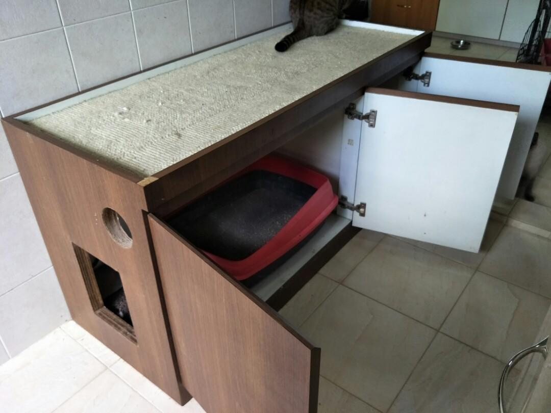 Cat litter cabinet (To give away)