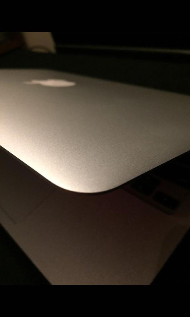 """Complete Box 2014 MacBook Air 11"""" (mint condition)"""