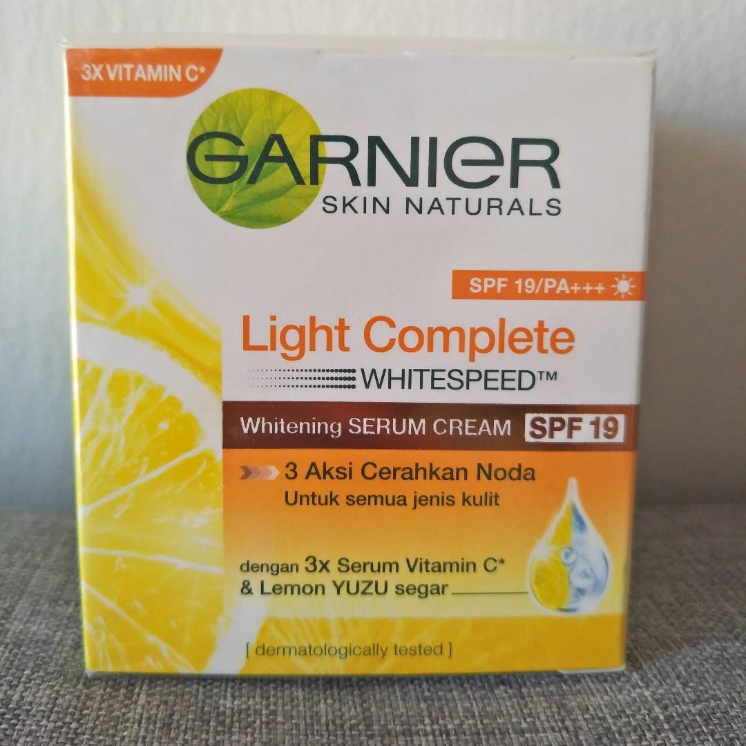 Garnier Light Complete Ws Yuzu Whitening Serum Cream Spf 19