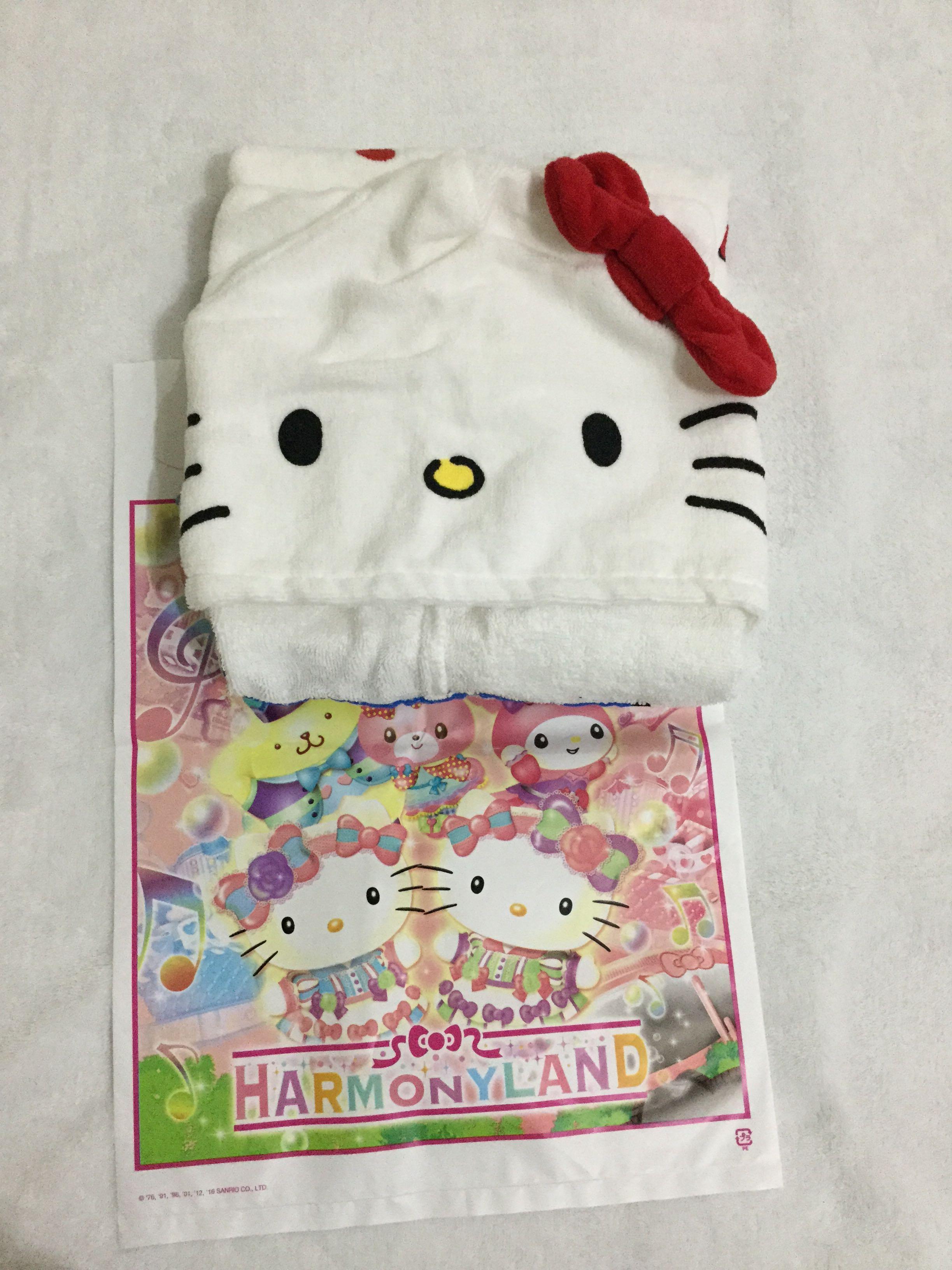 f0ef784f6 Hello Kitty Hooded Bath Towel on Carousell