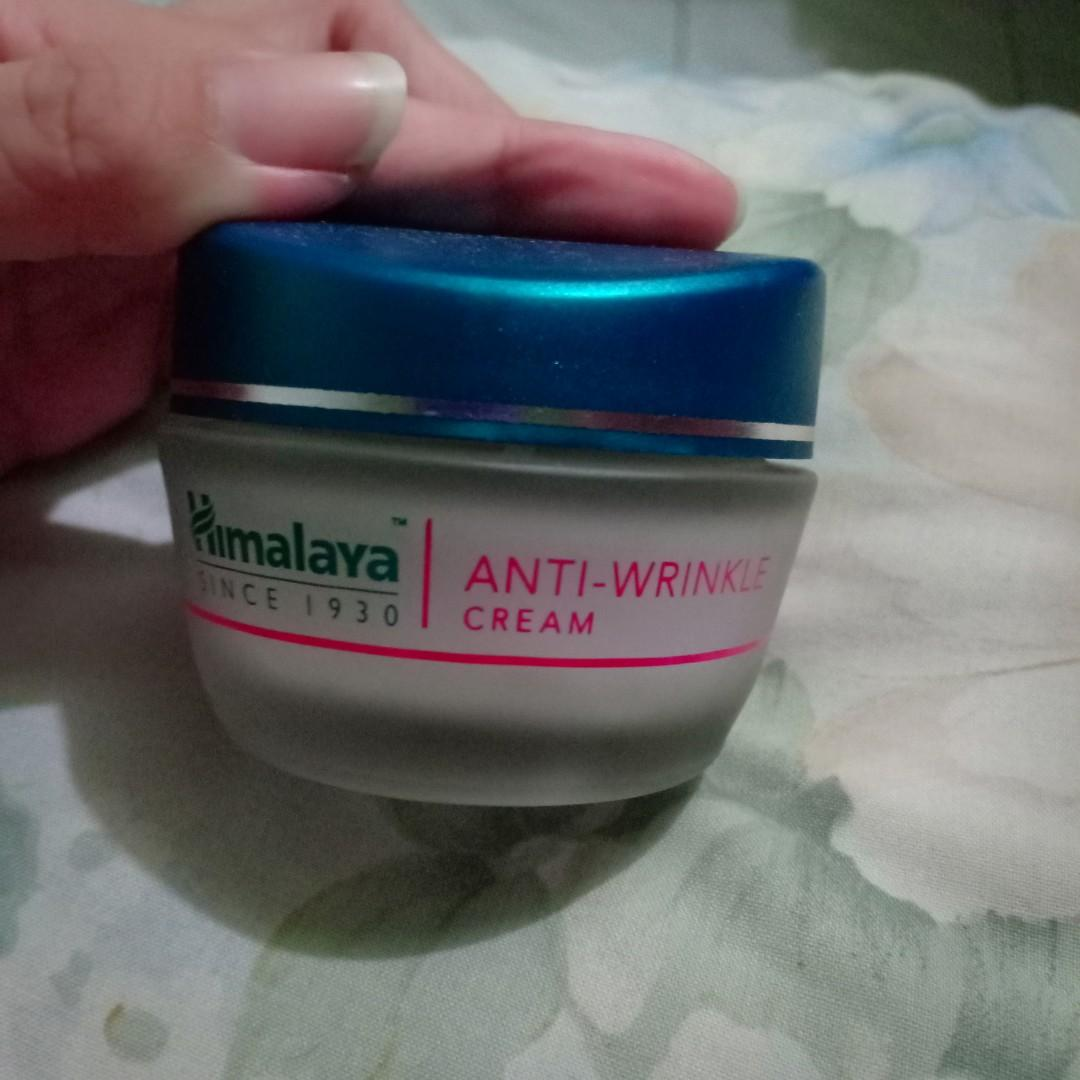 HIMALAYA ANTI -WRINKLE CREAM.