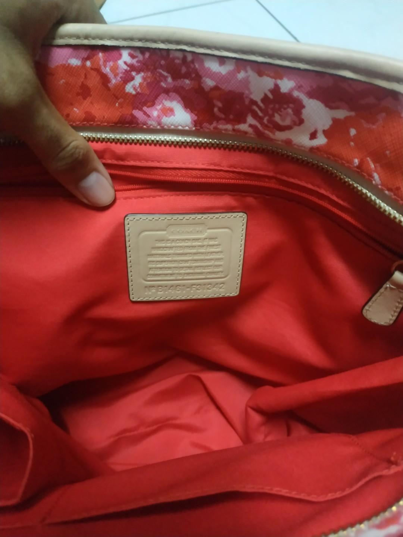 #mauthr Coach Peyton Floral Print Zip Top Tote Bag