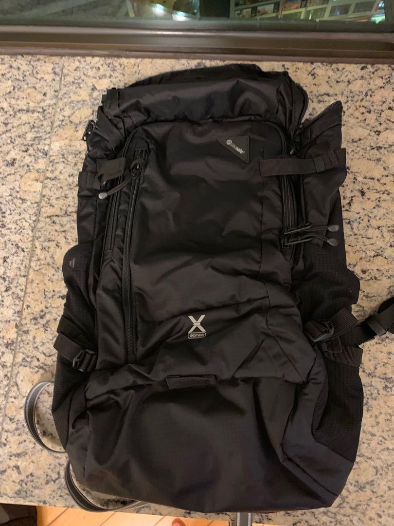 Pacsafe 旅遊背包