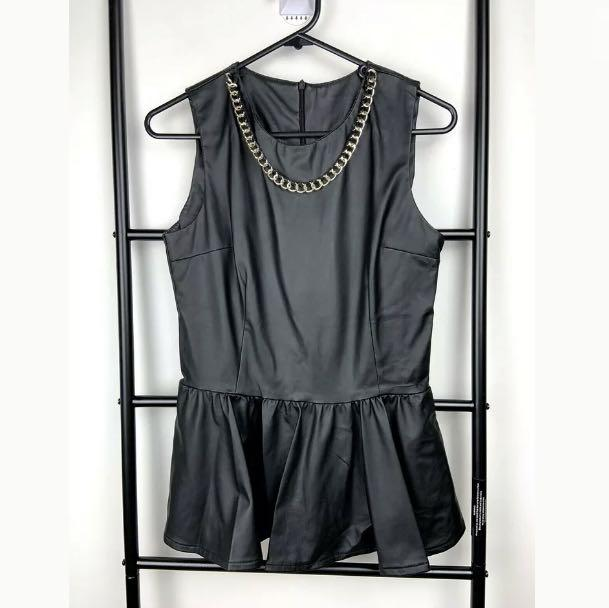 Vegan Leather XS/S black basic peplum tank top shirt blouse gold chain fashion