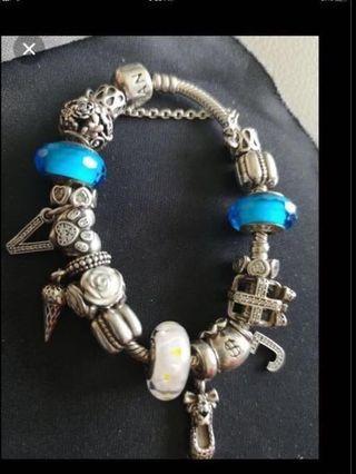 🚚 Authentic Pandora bracelet