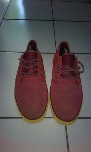 Sepatu DC studio DS