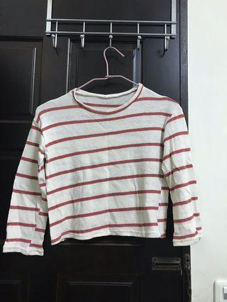 🚚 紅白針織短版上衣