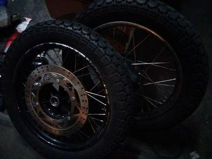 Cafe racer wheels set complete with swallow tires