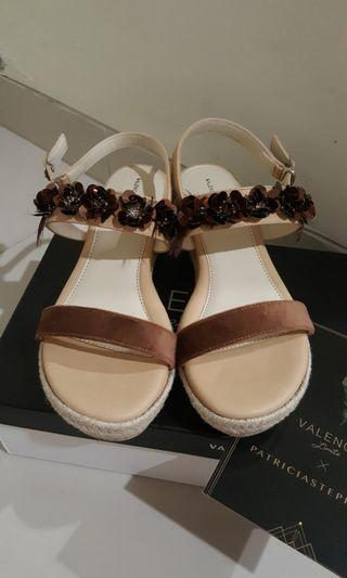Valencia Limite x Patricia Stephanie vol. 2 - Carie Wedges in Choco Beige