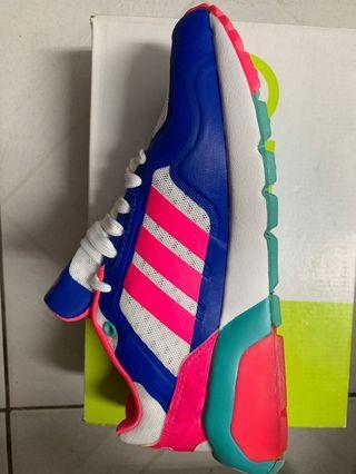 🚚 Adidas 愛迪達 布鞋 全新 附鞋盒