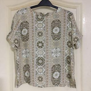 🚚 Vintage blouse