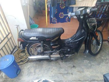Suzuki rc 100