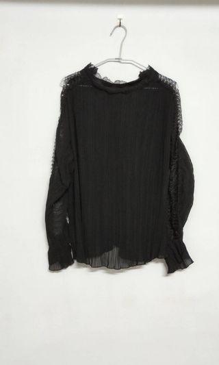 🚚 黑色韓版蕾絲上衣 全新未穿過 便宜出售 特價 $ 390  商品售出不退換😊 請考慮清楚喔!