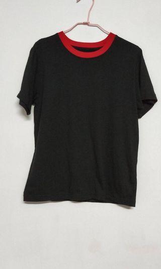 🚚 黑紅配色素面上衣 全新未穿過 便宜出售 特價 $ 190  商品售出不退換😊 請考慮清楚喔!